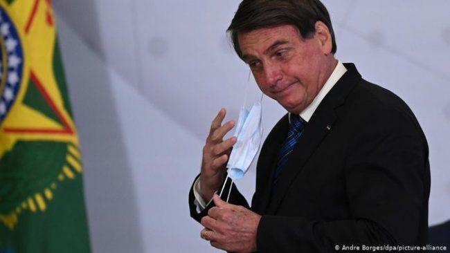 El apoyo abierto de Bolsonaro a Trump incomoda a excancilleres
