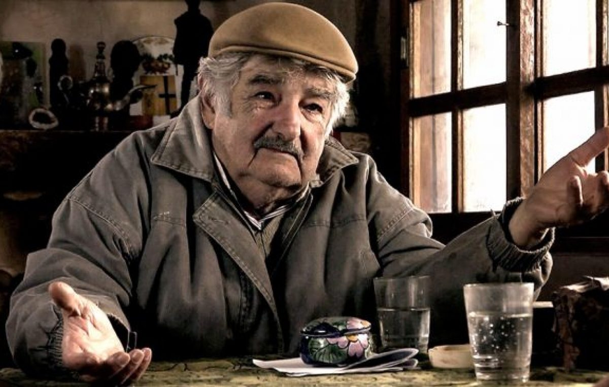 «Soy un animal político, pero uno trata de estirar la vida», dijo Mujica tras renunciar al Senado