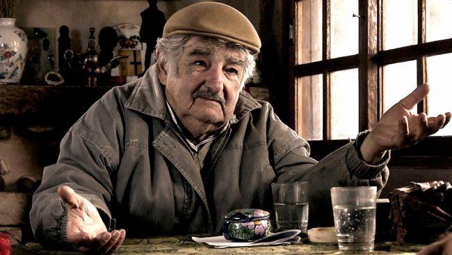 """""""Soy un animal político, pero uno trata de estirar la vida"""", dijo Mujica tras renunciar al Senado"""