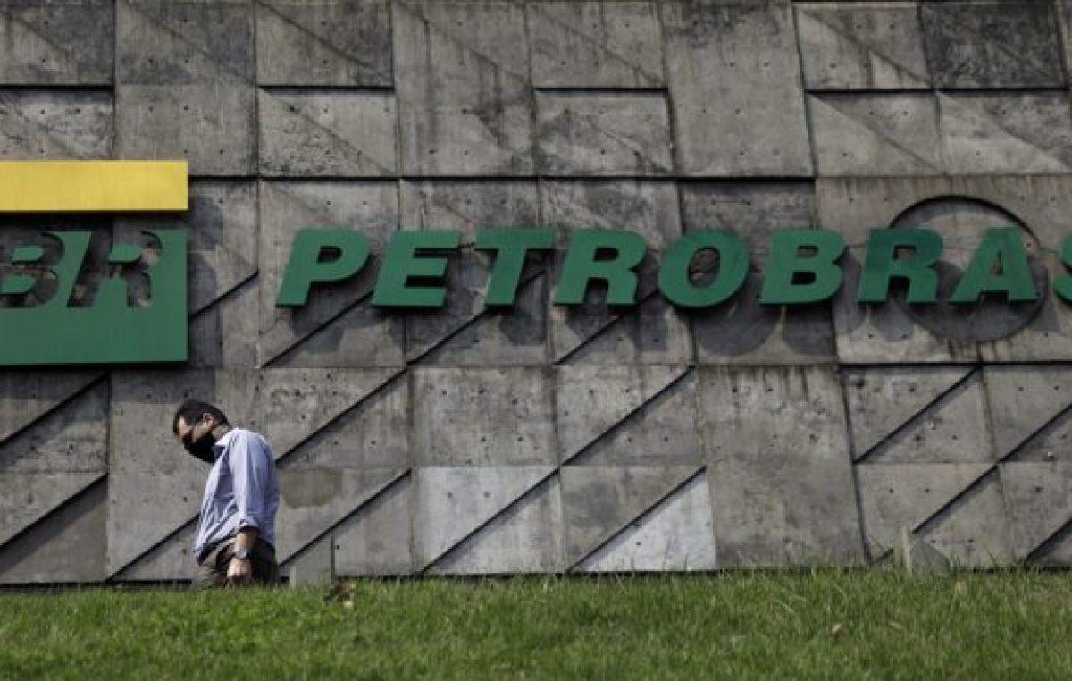 Lula llamó a defender a Petrobras de una privatización