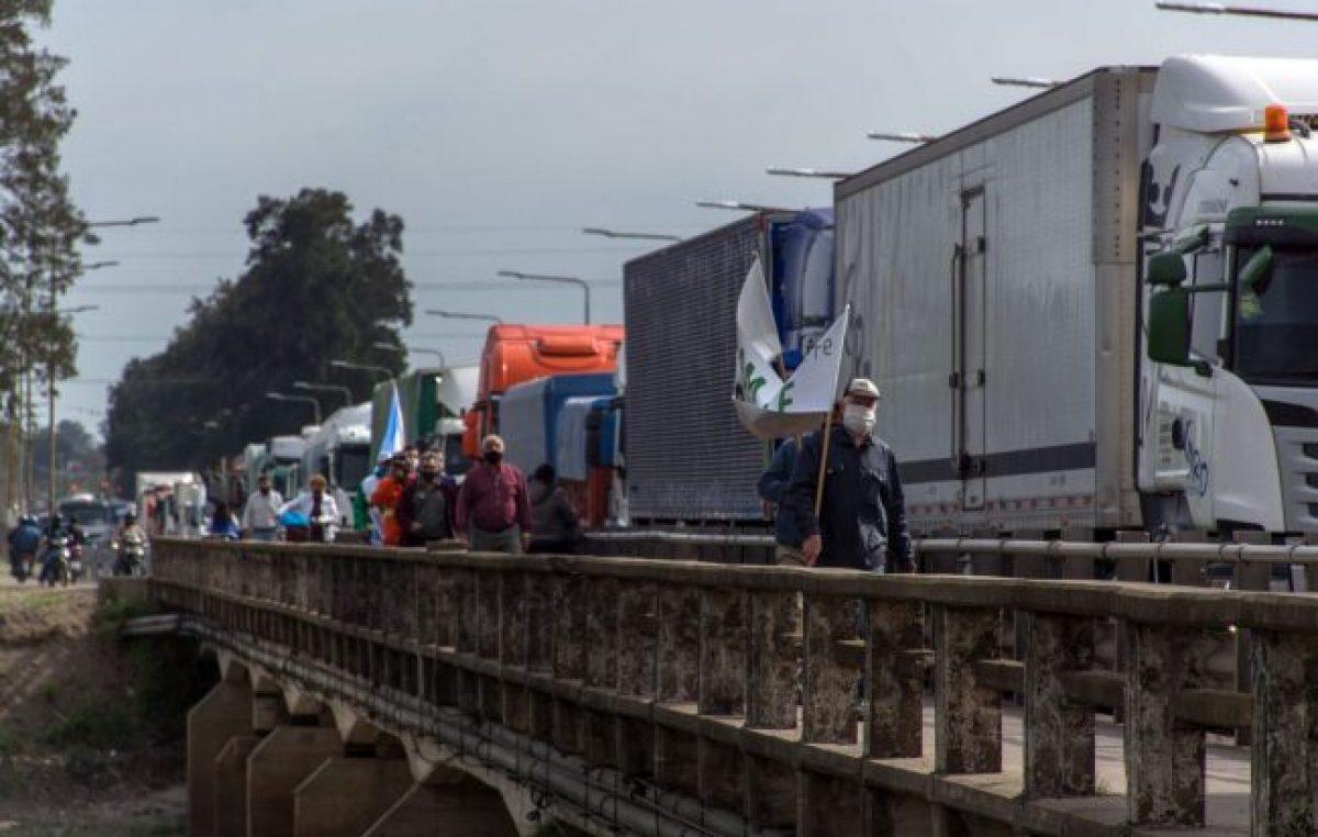 Contundente demostración de las y los Municipales santafesinos en defensa de sus derechos