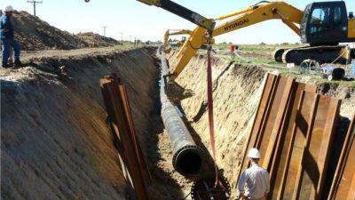 Fernández y Perotti anuncian la construcción de un acueducto que beneficiará a 65 localidades