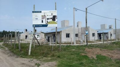 La provincia construye viviendas en otras cuatro localidades entrerrianas
