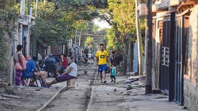 El incremento de la pobreza tensiona cada vez más la red de salud pública de Rosario