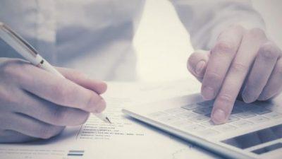 Empresas y familias aumentaron su endeudamiento en pesos un 50,1% en el último año