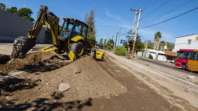 El intendente de Guaymallén aseguró que la incertidumbre económica está frenando el 50% de la obra pública