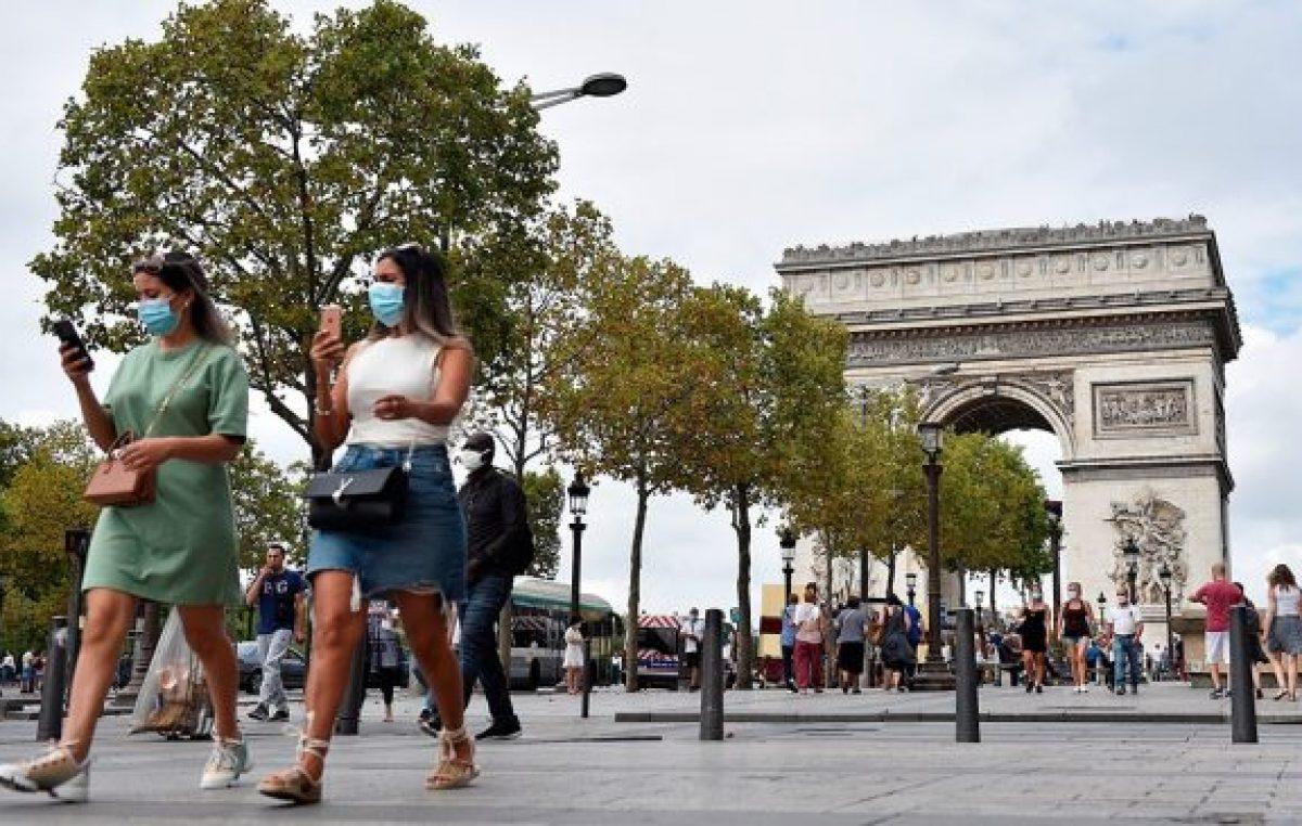 Francia no descarta confinamientos locales