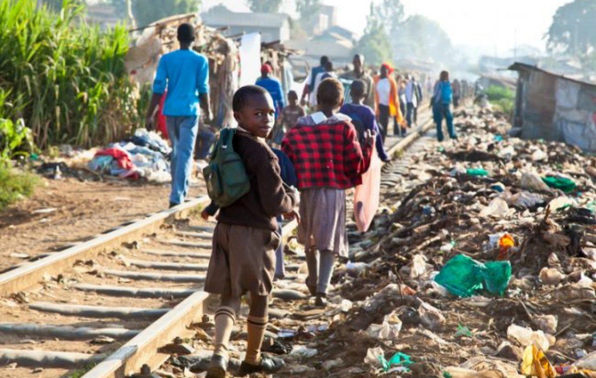 Advierten que 115 millones de personas pueden caer este año en la pobreza extrema a nivel global