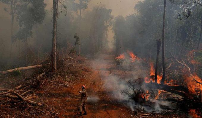 En Brasil suspenden el combate a los incendios por falta de recursos