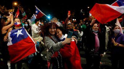 Contundente triunfo de «Apruebo»: Chile reformará la Constitución que dejó el dictador Augusto Pinochet