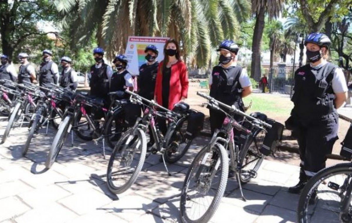 La intendenta de la ciudad de Salta presentó a los preventores urbanos de bicicleta