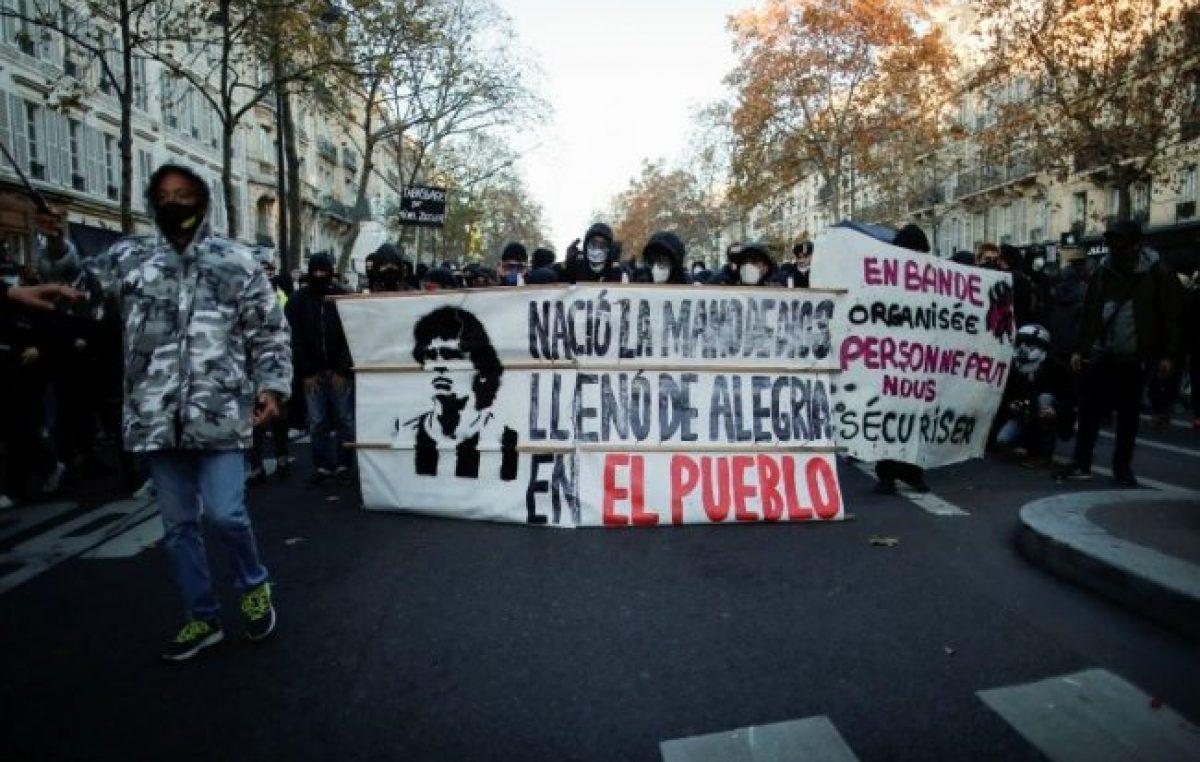 Maradona presente en las movilizaciones contra la nueva ley de Seguridad en Francia
