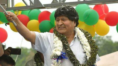 Evo Morales asumió la presidencia del Movimiento Al Socialismo