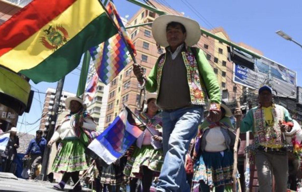 Por la crisis económica, Bolivia analiza suspender el pago de su deuda externa