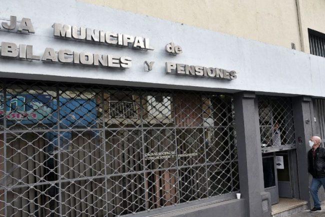 Pasivos de la Caja Municipal de Santa Fe no cobraron el aumento paritario de $3.000