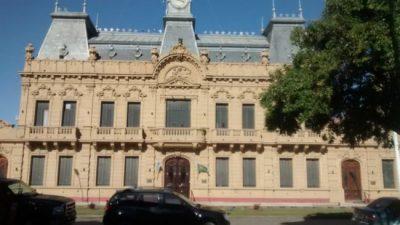 Coronel Suárez: disconformes, los municipales piden más aumento