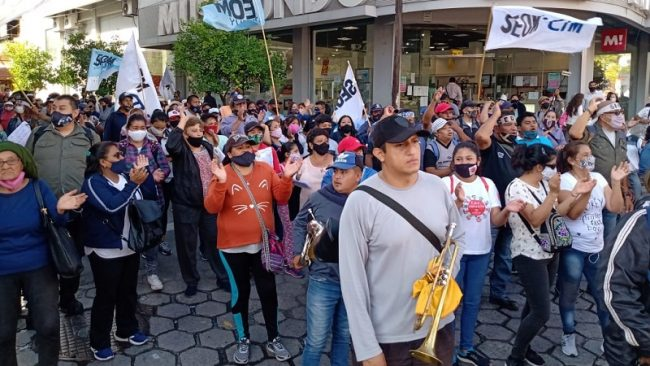 Municipales jujeños se movilizaron en el inicio de un paro de 48 hs