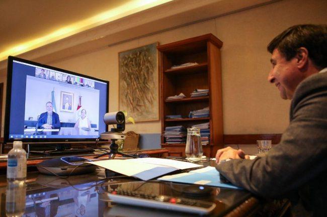 Arroyo y Schiaretti firman acuerdo para urbanizar barrios populares