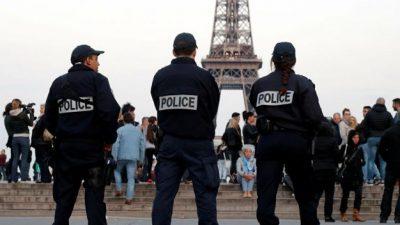 Presentan primera demanda colectiva contra la policía francesa por racismo