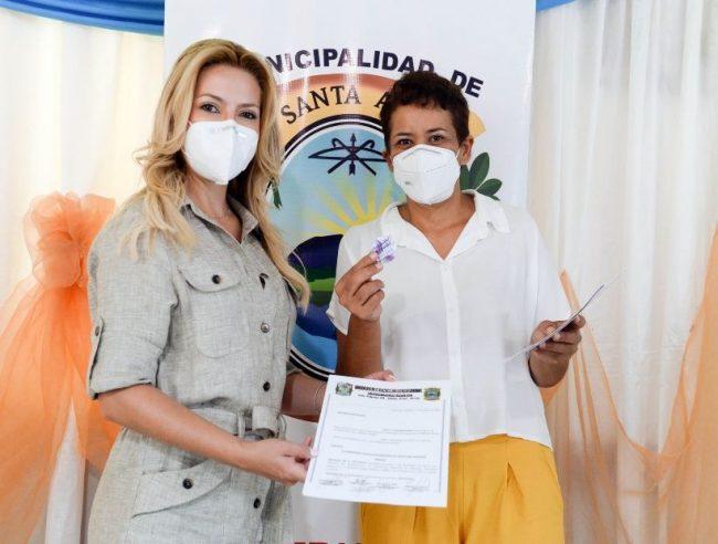 Fabiola Yañez articuló en Misiones un acuerdo para la provisión de agua potable