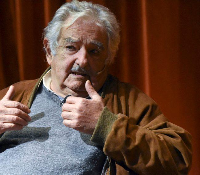 Pepe Mujica cuestionó a Lacalle Pou por la falta de vacunas en Uruguay