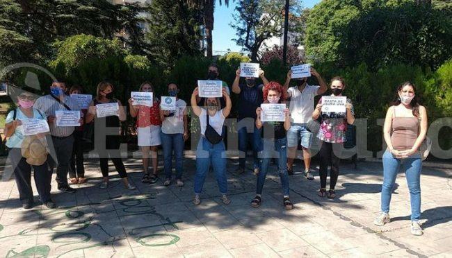 """Marcha de hipotecados UVA en Salta: """"Nadie puede pagar 35 mil pesos por mes por una vivienda social"""""""