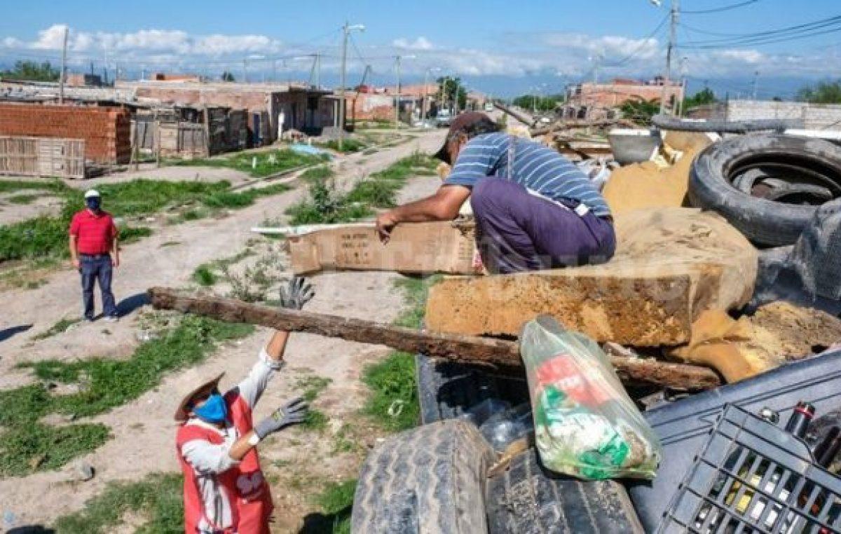 Dengue: se levantan entre tres y cuatro toneladas diarias de chatarra en Salta