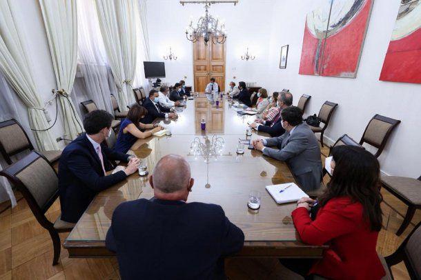 """El gobernador de San Juan se reunió en Chile con el intendente de Coquimbo: """"El Túnel de Agua Negra es el objetivo primario y primordial"""""""