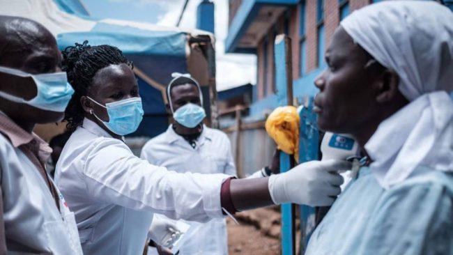 """Sudáfrica critica a los países ricos por acaparar dosis en un """"nacionalismo de las vacunas"""""""
