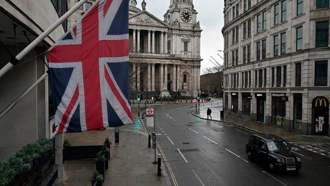 Ansiedad, agotamiento y un optimismo perdido: ingleses cuentan cómo viven el confinamiento