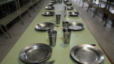 Por los precios, los comedores solidarios santafesinos redujeron a la mitad la carne y las frutas