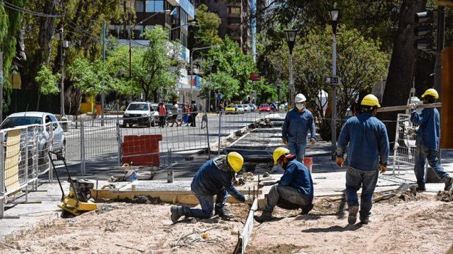 Los municipales de Neuquén no quieren un bono sino una suma al básico