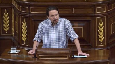 Pablo Iglesias critica a la normalidad democrática española y exigen su destitución