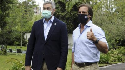 Abdo Benítez y Lacalle Pou coinciden en la necesidad de «abrir el Mercosur» a acuerdos bilaterales