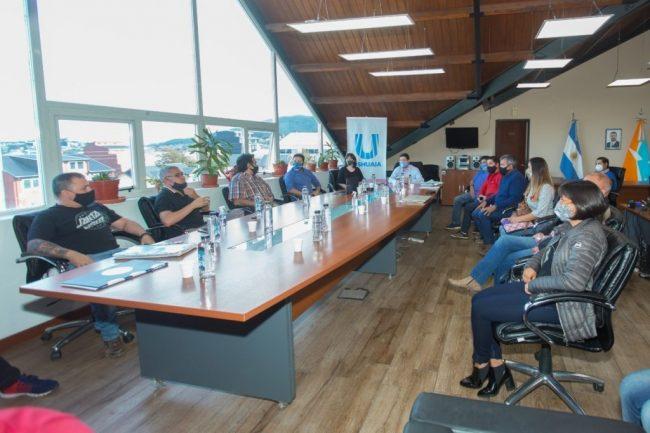 El intendente de Ushuaia acordó la pauta salarial con los municipales