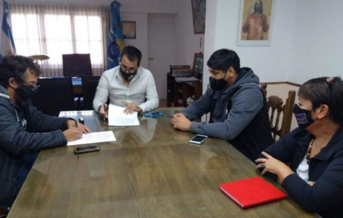 Acuerdan aumento salarial del 30% para trabajadores de planta y 20% a contratados municipales en Esquel