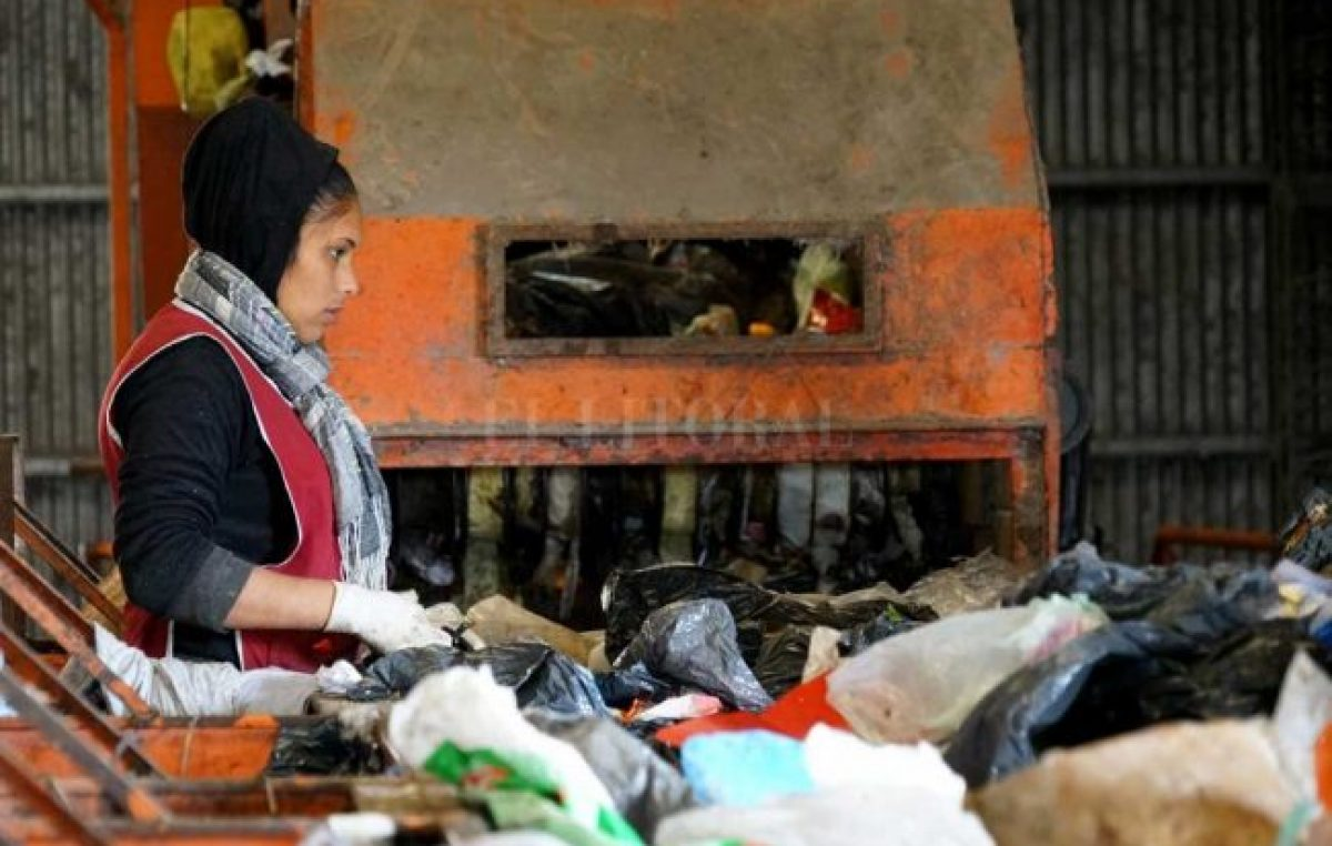 El municipio de Santa Fe se comprometió a mejorar las condiciones laborales de los recicladores