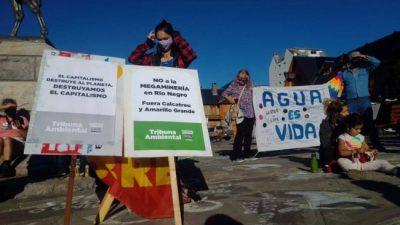 Bariloche: Organizaciones ambientales se manifestaron por el día del agua y en contra de la megaminería