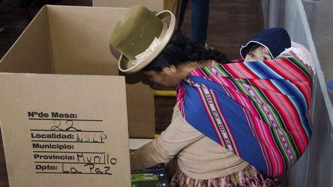 Datos de boca de urna muestran triunfos opositores en la mayoría de las gobernaciones bolivianas