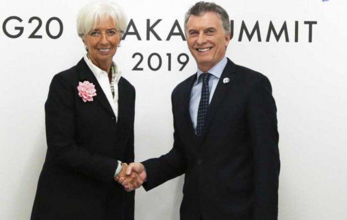El FMIgate pone en el banquillo a Macri con sus economistas