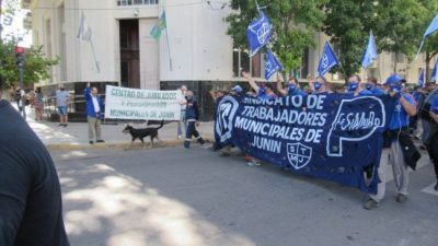 Junín: trabajadores municipales «hartos de las promesas»
