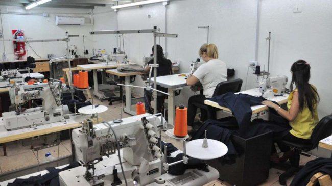 Las mujeres representan sólo el 20,7% del empleo industrial
