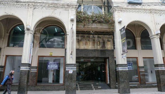 Una galería vacía muestra la crisis que vive el sector del turismo en Salta