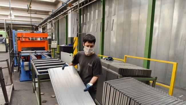 La industria deja atrás a Macri