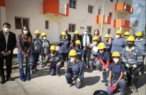 Una cuadrilla de albañilas construyó 48 viviendas