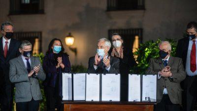 Piñera anunció nuevas medidas económicas consideraras «débiles» por la oposición