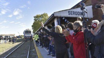Serodino recibió al tren, subieron 33 pasajeros y el sueño se hizo realidad