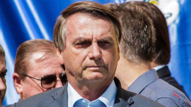 Bolsonaro amenazó con interrumpir por decreto las cuarentenas en Brasil