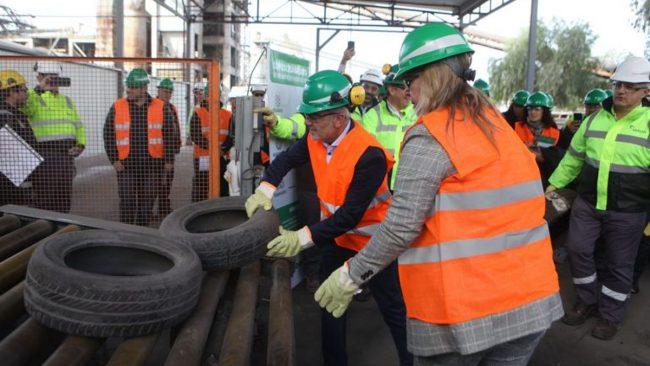 Con los neumáticos reciclados en Mendoza generan energía y hacen baldosas