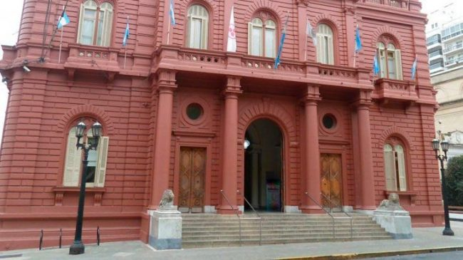 Pese a la prohibición de despidos, concejal macrista de Rosario llama a reducir el personal municipal